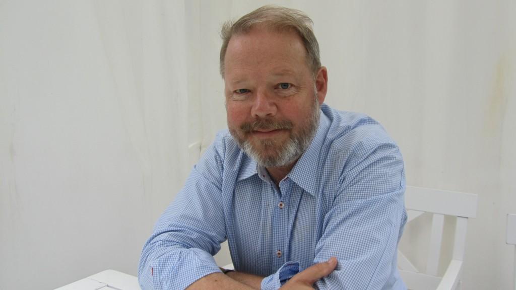 Robert Hultman porträtt i skägg