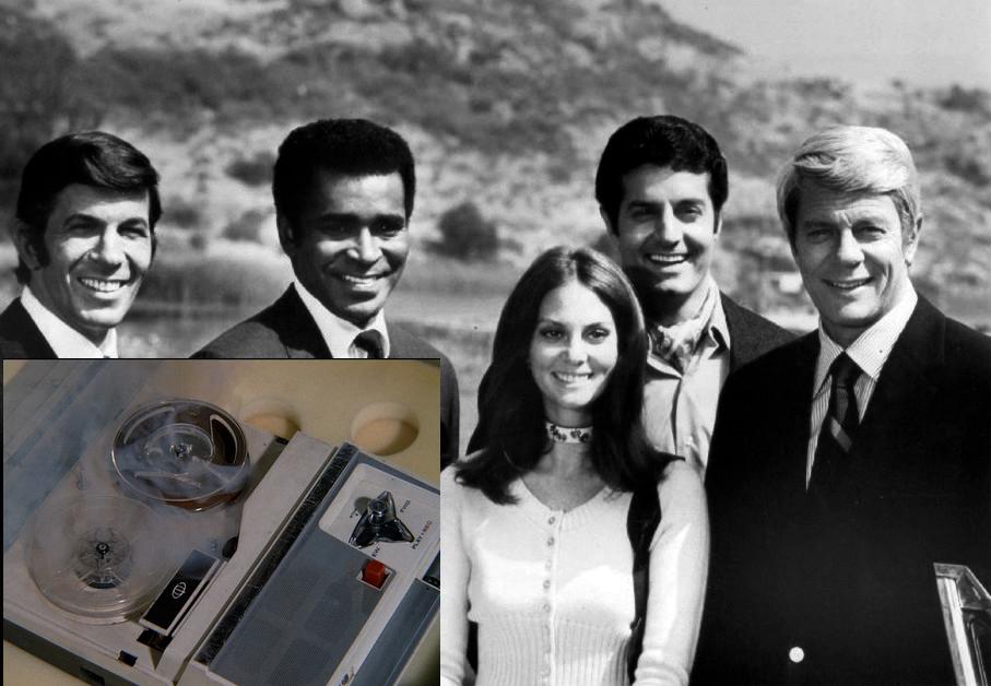 En bild på skådespelarna i 1970-års upplaga av TV-serien Mission Impossible. Infälld en bild på banspelaren med det självförstörande bandet, från serien