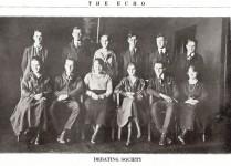 Gruppbild föreställande The Echo en diskussionsklubb 1920